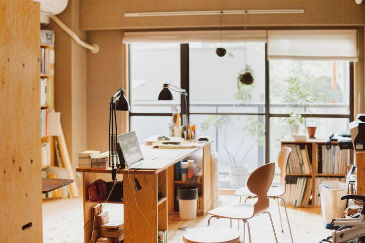 間取りが自由に動かせるマンションリノベーションmaru(マル)シリーズ第1号 すまい研究室 一級建築士事務所 ミニマルデザインの 書斎