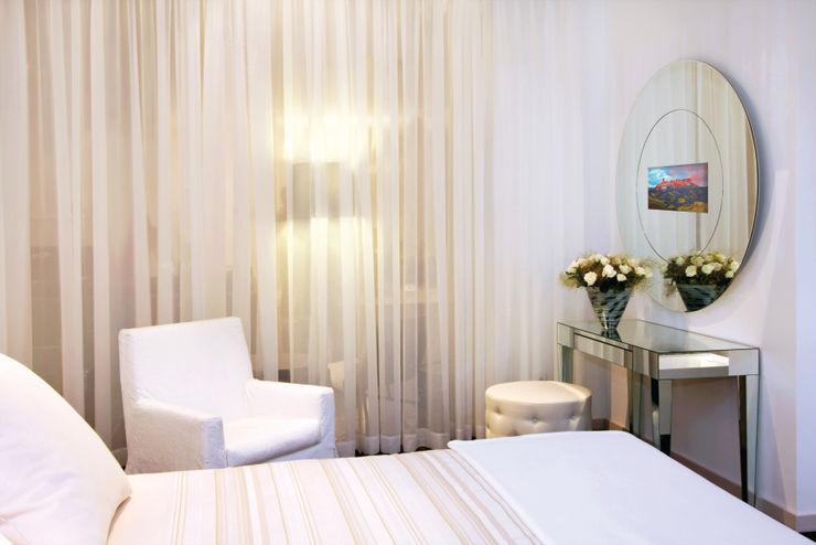 Glassinnovation Illusion Magic MirrorTV BedroomAccessories & decoration