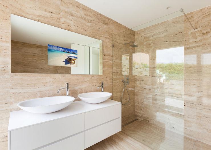 Glassinnovation Illusion Magic MirrorTV BathroomMirrors