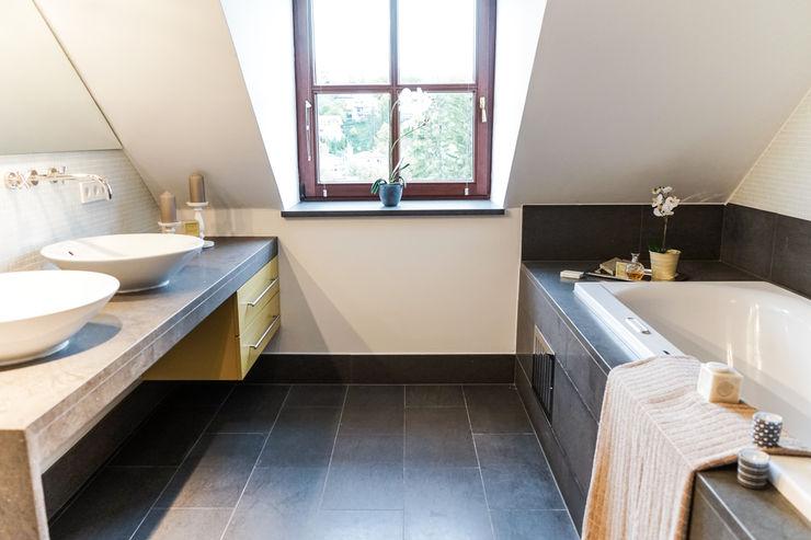 Staging einer Villa zum Verkauf Home Staging Gabriela Überla Klassische Badezimmer