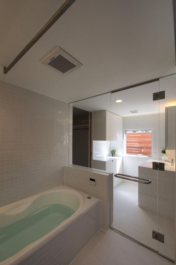 アトリエ スピノザ Scandinavian style bathrooms