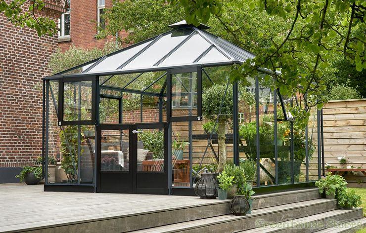 Juliana Anthracite Grey Oasis 12x12 Greenhouse homify Jardines modernos: Ideas, imágenes y decoración Aluminio/Cinc Metálico/Plateado