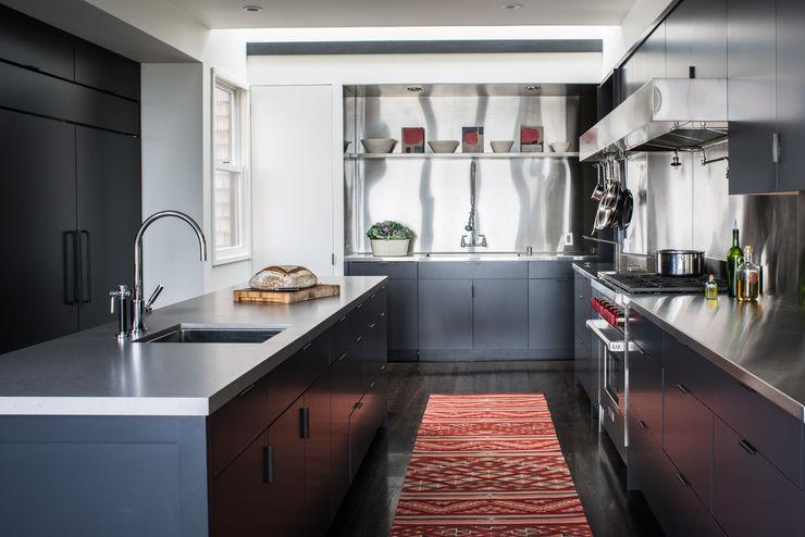Antonio Martins Interior Design Inc Modern kitchen