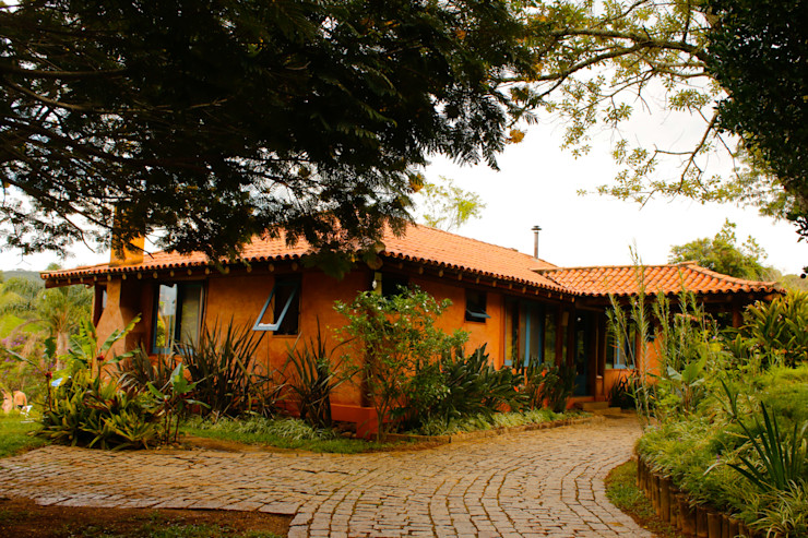 POUSADA MARIA MANHÃ MADUEÑO ARQUITETURA & ENGENHARIA Casas rústicas