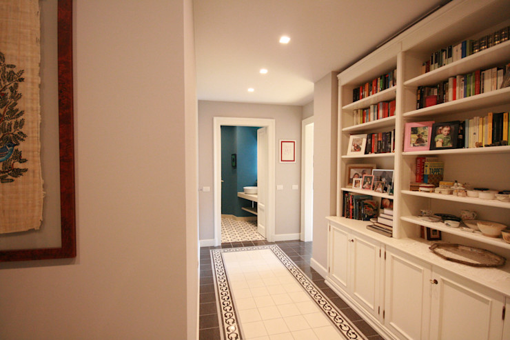 Ingresso studiodonizelli Ingresso, Corridoio & Scale in stile moderno