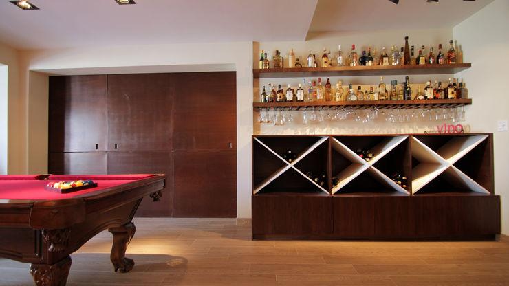 Lo Interior Eclectic style wine cellar