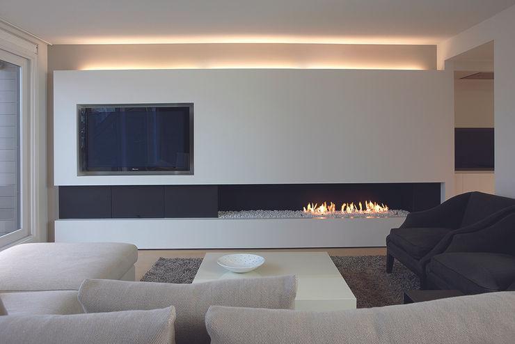 Lareiras Metalfire - Urban Gás (Sem Vidro) Biojaq - Comércio e Distribuição de Recuperadores de Calor Lda Salas de estar minimalistas