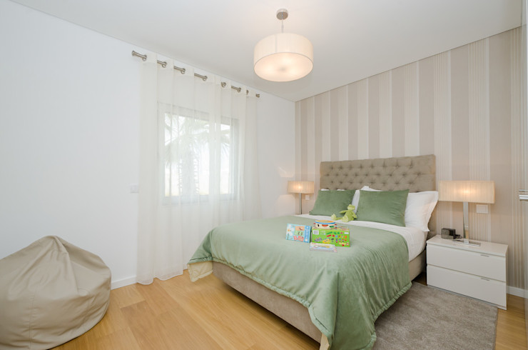 Private Interior Design Project - Albufeira Simple Taste Interiors SchlafzimmerBetten und Kopfteile