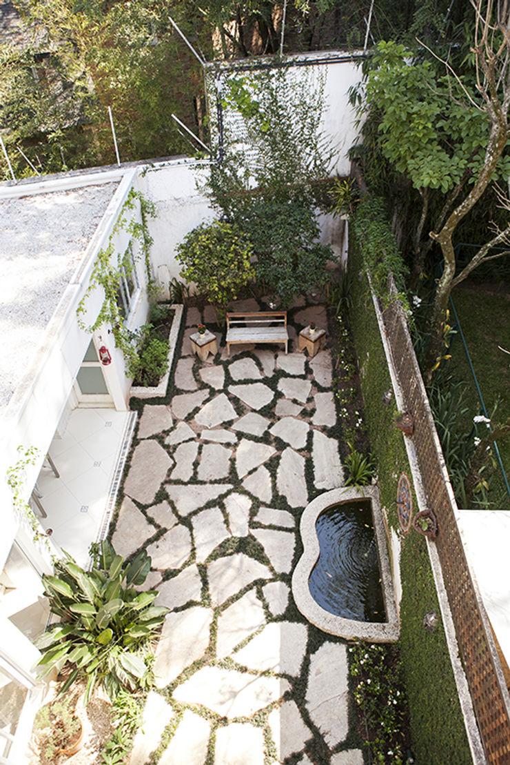 Lucia Helena Bellini arquitetura e interiores Modern Garden