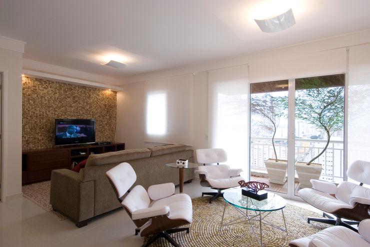 Lucia Helena Bellini arquitetura e interiores Вітальня