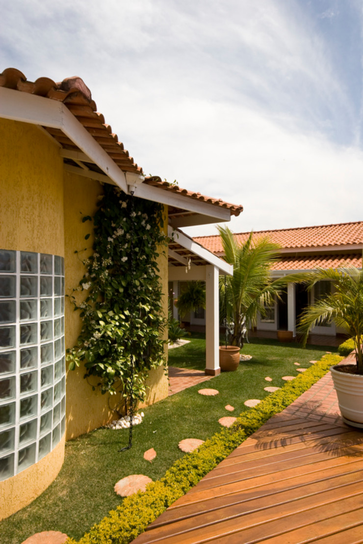 Lucia Helena Bellini arquitetura e interiores Country style house