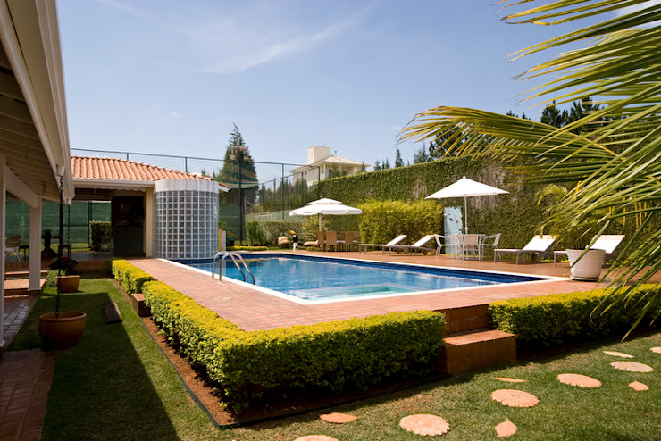 Lucia Helena Bellini arquitetura e interiores Pool