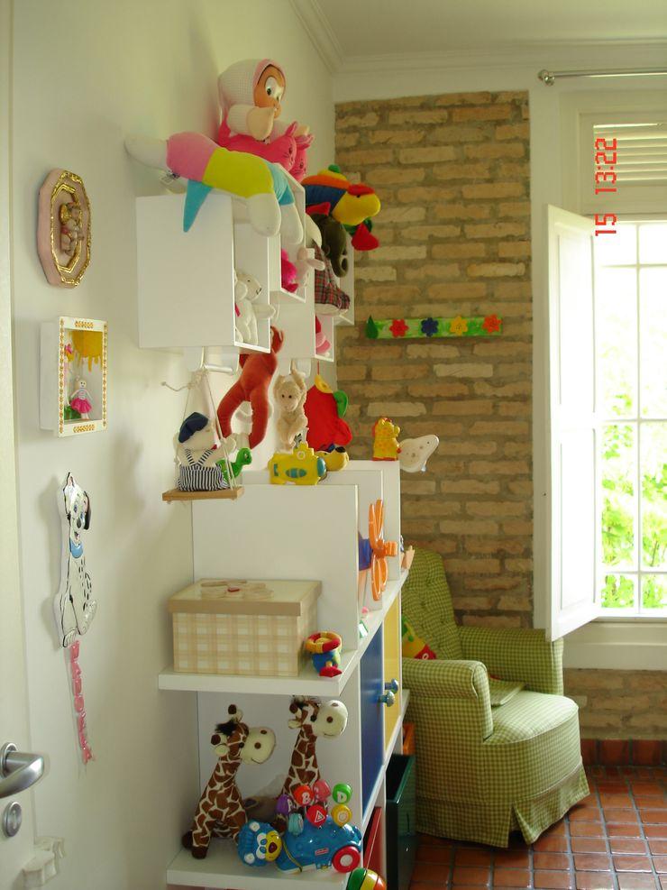 Lucia Helena Bellini arquitetura e interiores Nursery/kid's room