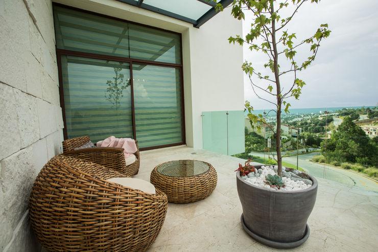 Interiorismo para residencia en Altozano Morelia Dovela Interiorismo Balcones y terrazas modernos