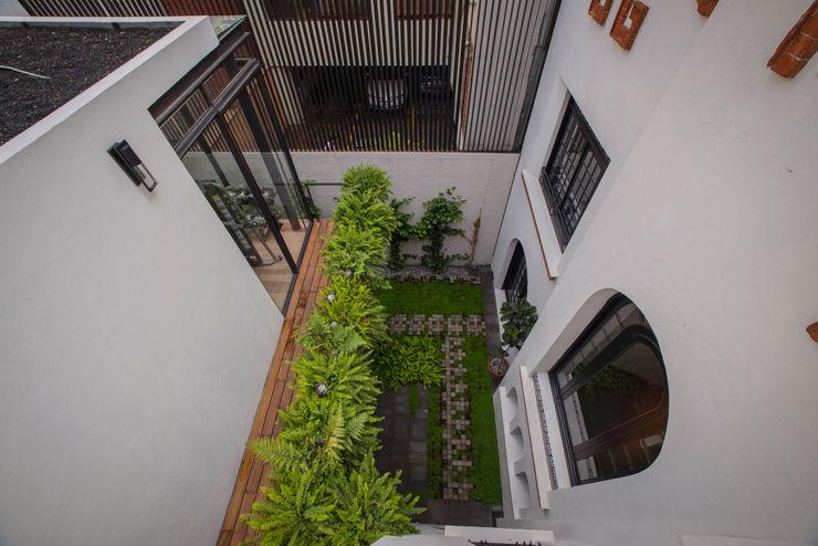 TW/A Architectural Group Balcone, Veranda & Terrazza in stile moderno