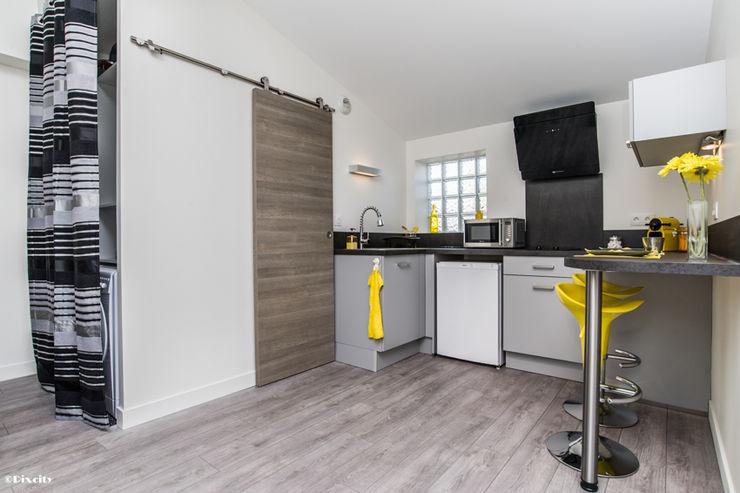 Pixcity Modern style kitchen