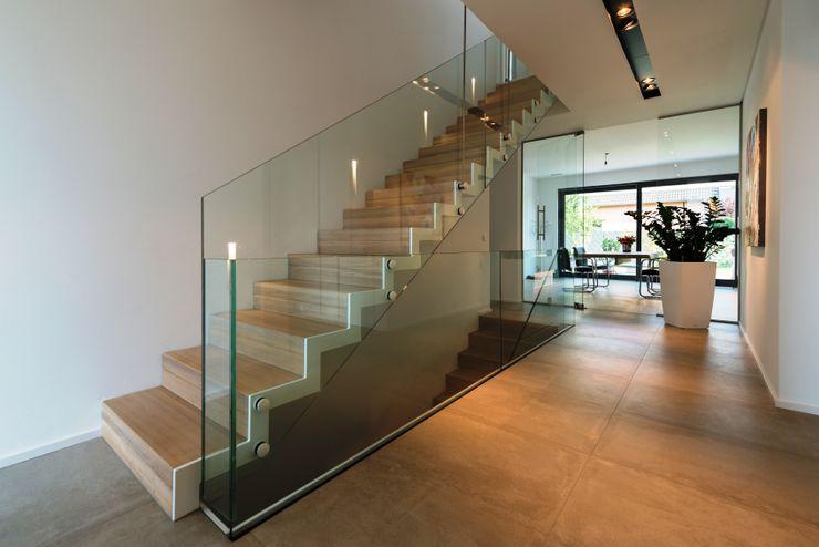 Faltwerktreppe Sankt Augustin lifestyle-treppen.de Moderner Flur, Diele & Treppenhaus Holz