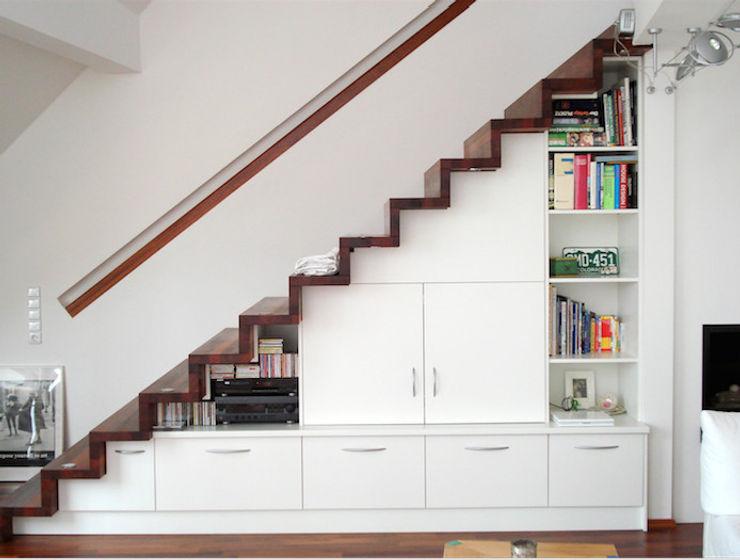 Badezimmer creativ-moebelwerkstaetten.de Modern corridor, hallway & stairs