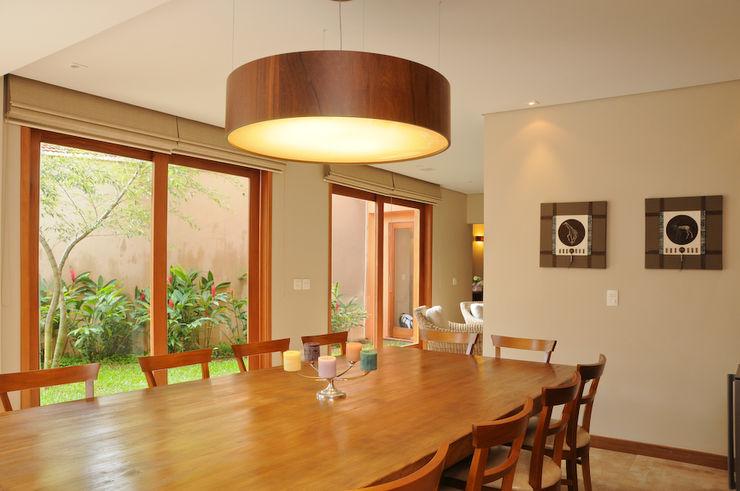 Martins Valente Arquitetura e Interiores Comedores de estilo moderno