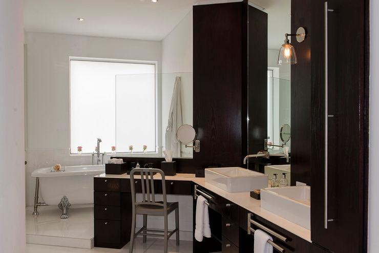 Hansi Arquitectura 現代浴室設計點子、靈感&圖片