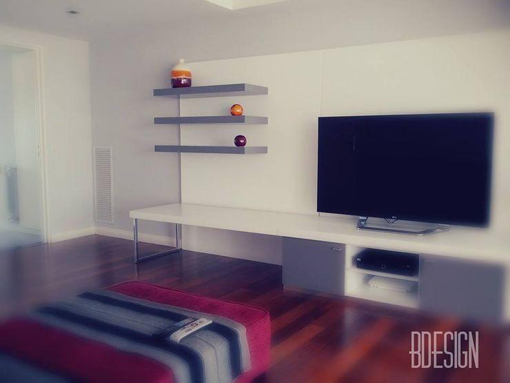 Estudio BDesign Minimalist living room Wood-Plastic Composite Red