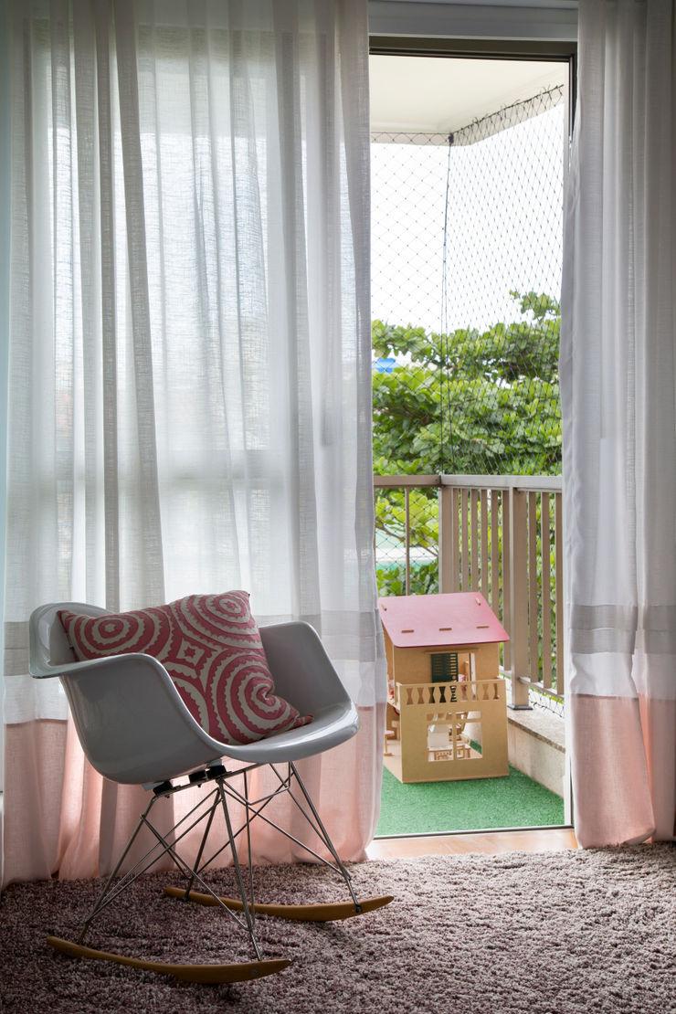 Yamagata Arquitetura Stanza dei bambiniScrivanie & Sedie PVC Grigio
