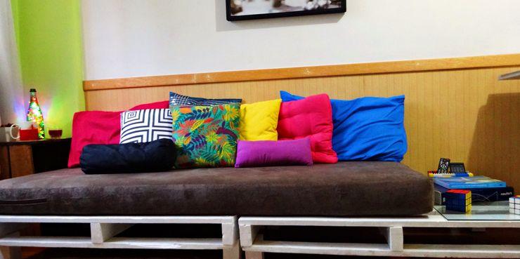Camila Feriato 客廳沙發與扶手椅 木頭 Multicolored