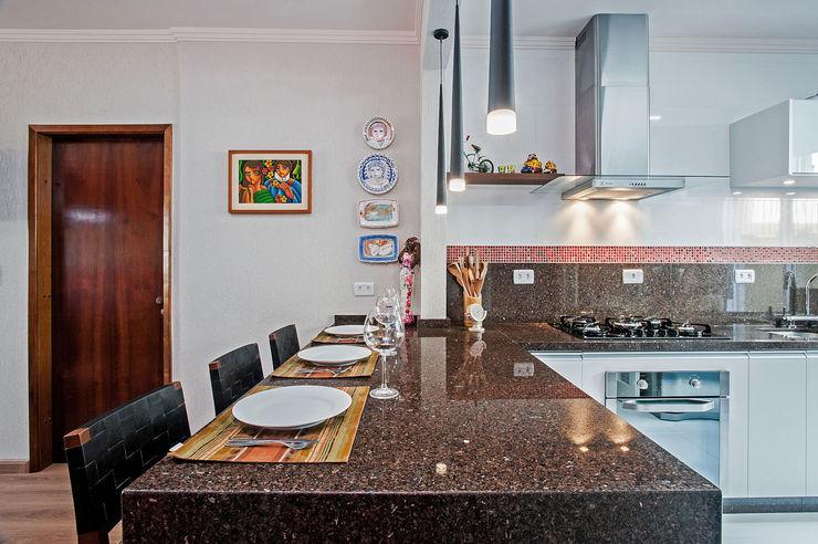 Apartamento 13 Patrícia Azoni Arquitetura + Arte & Design Cozinhas tropicais