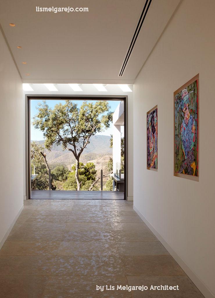Lis Melgarejo Arquitectura Коридор, прихожая и лестница в модерн стиле