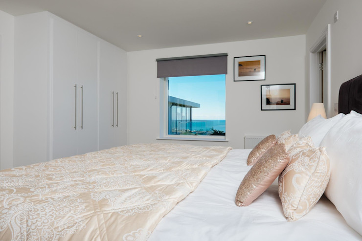 Bedroom Perfect Stays Modern style bedroom