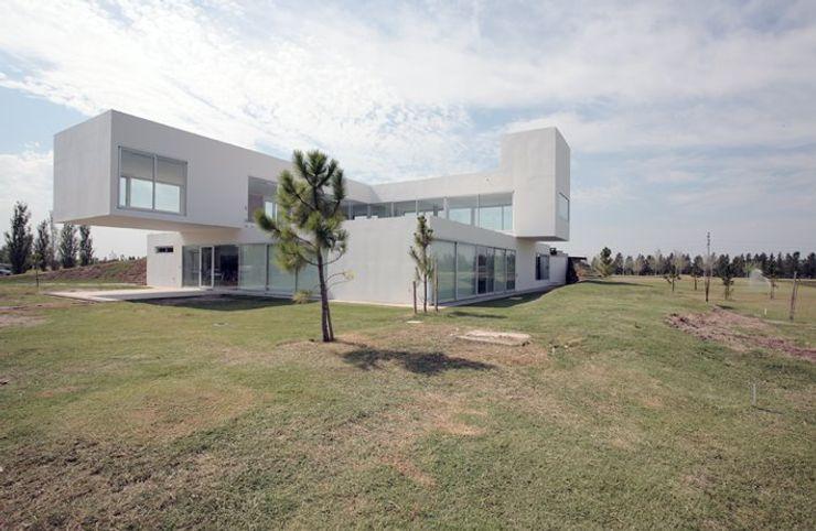 Proyecto Minimalista Estudio Arquitecta Mariel Suarez Casas minimalistas