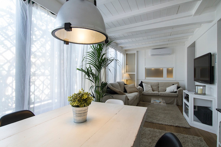 veranda con un solo ambiente Fabio Carria Balcone, Veranda & TerrazzoAccessori & Decorazioni Legno Bianco