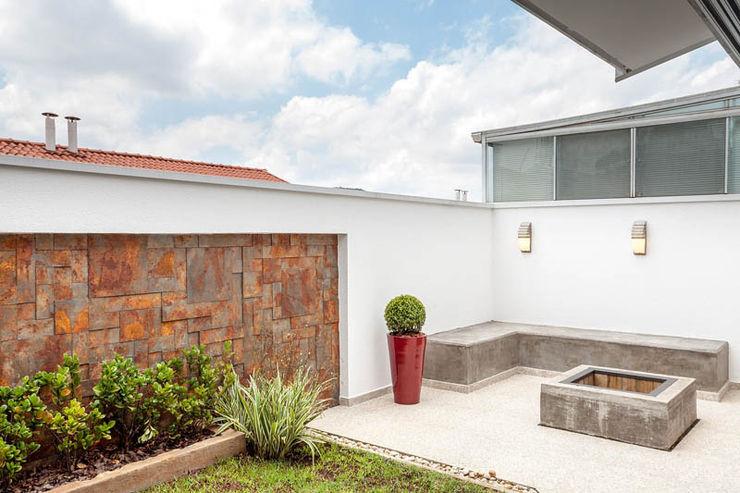 Moran e Anders Arquitetura Eclectic style garden