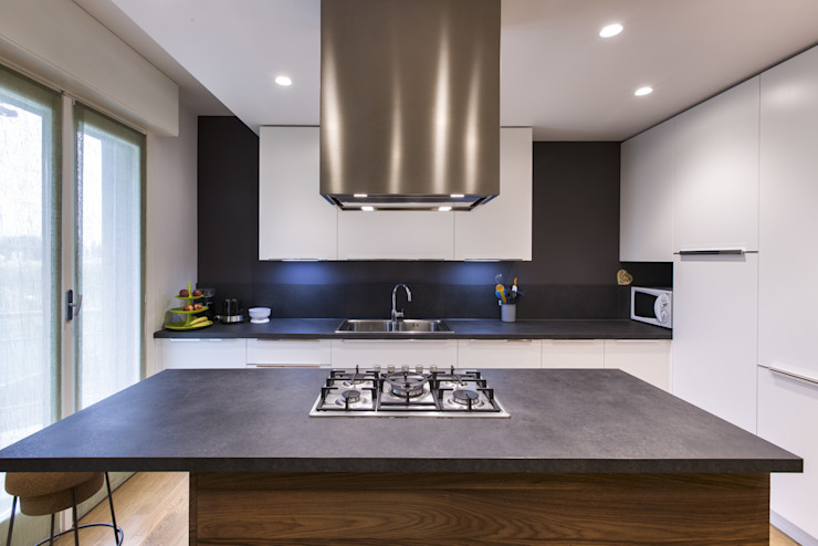 Ristrutturazione Appartamento Elia Falaschi Fotografo Cucina moderna