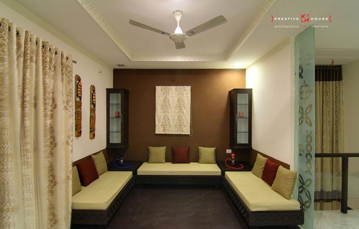 A TRIPLEX VILLA NEAR SUNCITY, HYDERABAD KREATIVE HOUSE Modern living room