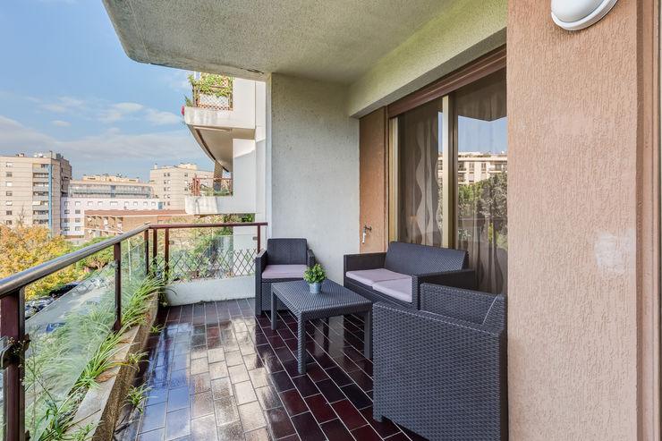 Appartamento Laurentina - Roma Luca Tranquilli - Fotografo Balcone, Veranda & Terrazza in stile moderno