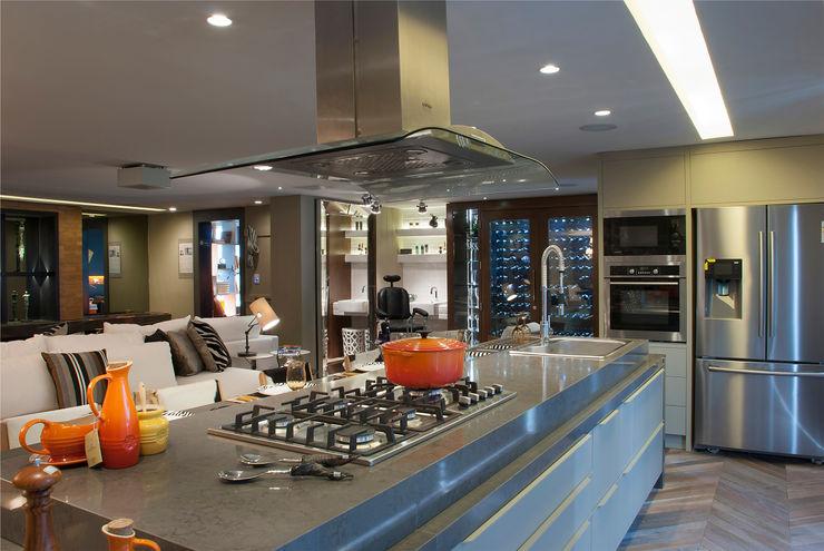 Sandro Jasnievez Arquitetura Modern Kitchen