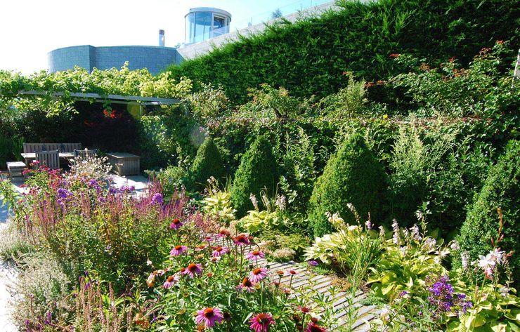 Lustenberger Schelling Landschaftsarchitektur Jardines modernos: Ideas, imágenes y decoración