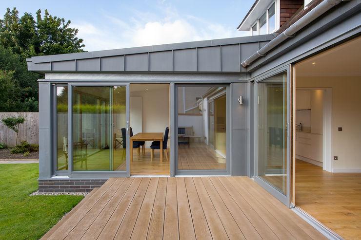 Zinc Extension Urban Creatures : Architects Modern houses