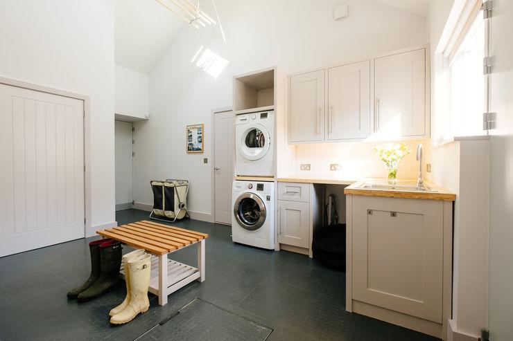 Utility Perfect Stays Garage/Rimessa in stile moderno