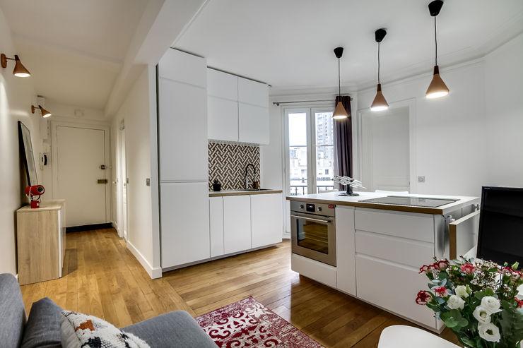 Transition Interior Design Cocinas de estilo moderno Blanco