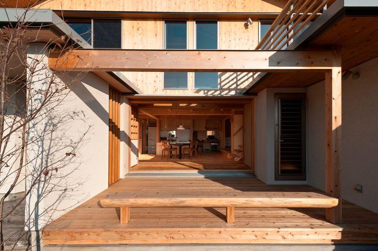 AMI ENVIRONMENT DESIGN/アミ環境デザイン Balcones y terrazas asiáticos