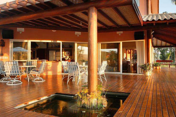 Silvia Cabrino Arquitetura e Interiores Patios & Decks