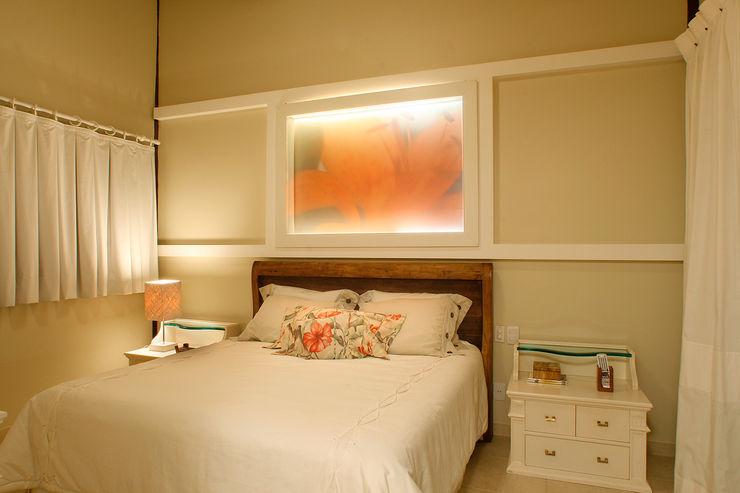 Silvia Cabrino Arquitetura e Interiores Rustic style bedroom