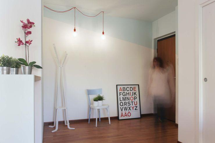 moovdesign Minimalist corridor, hallway & stairs