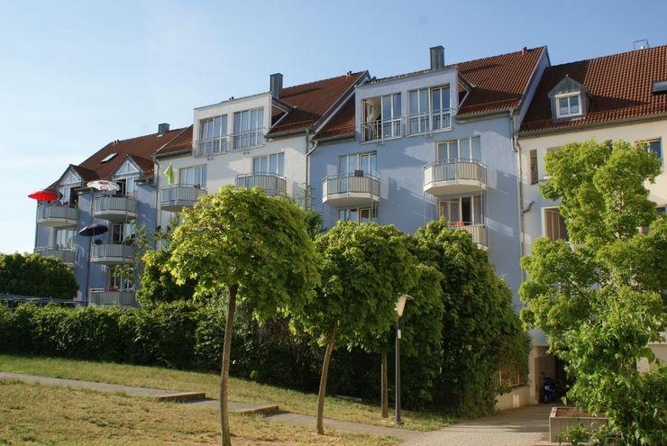 farben schiller Modern houses Blue