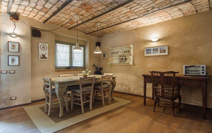 Fabio Carria Rustic style dining room