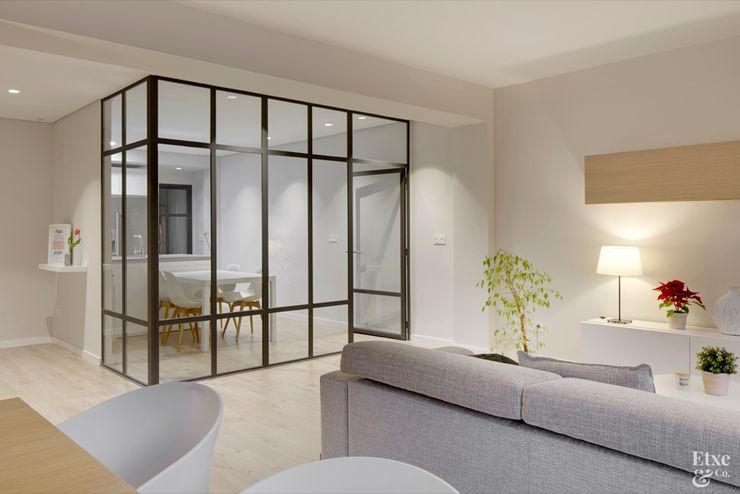 Etxe&Co 現代廚房設計點子、靈感&圖片 鐵/鋼
