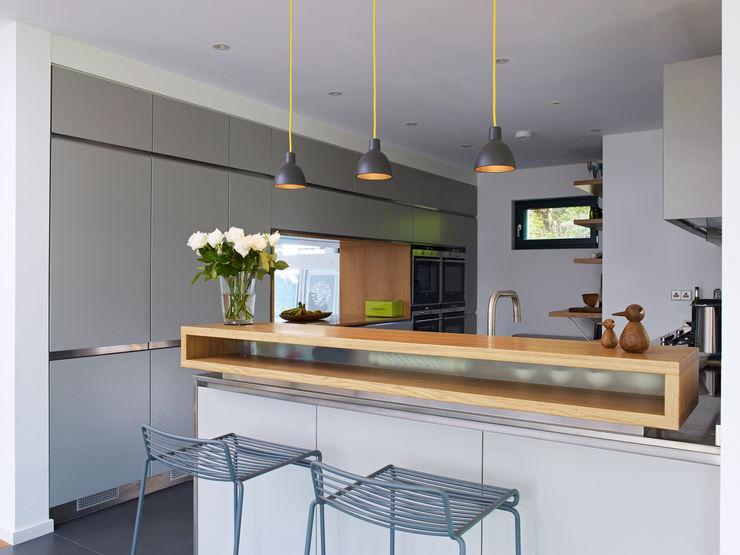 Kitchen Baufritz (UK) Ltd. Кухня в стиле модерн