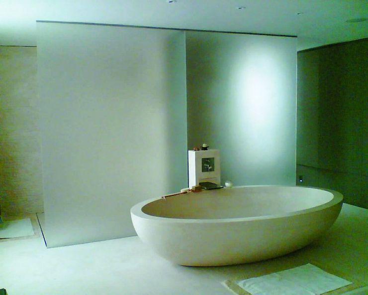 Sandblasted bathroom screen Ion Glass Modern bathroom Glass